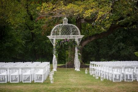 Glendale Lyceum outdoor wedding ceremony meadow